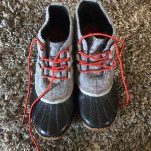 Sorel woman boots size 11 gray black